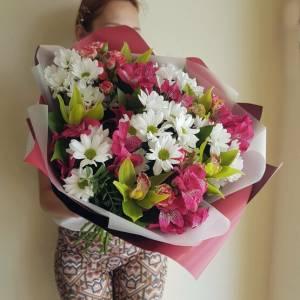 Сборный букет с хризантемой и орхидеями R1134