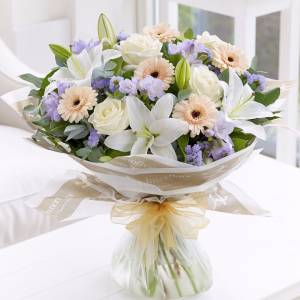 Сборный букет с лилиями и герберами R1507